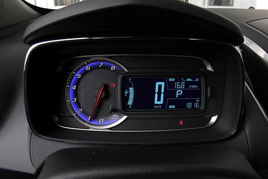 1.4T 自动舒适型天窗版