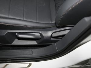 2018款1.5L 自动舒适版 座椅调节