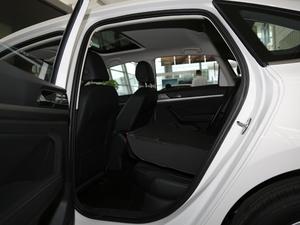 2018款1.5L 自动舒适版 后排座椅放倒