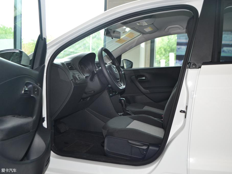 2018款Polo两厢 前排空间