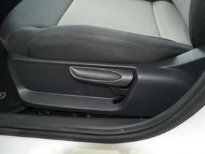 2018款1.5L 自动安驾版 座椅调节