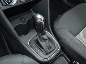 2018款1.5L 自动安驾版 变速挡杆