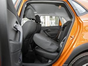 2018款1.5L 自动版 后排座椅放倒