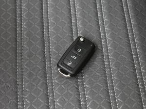 2018款1.5L 自动版 钥匙