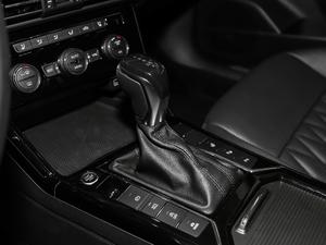 2019款330TSI 领尊版 变速挡杆