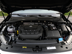 2019款330TSI 精英版 发动机