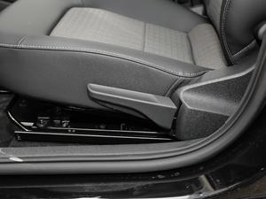 2019款1.5L 手动舒适版 座椅调节