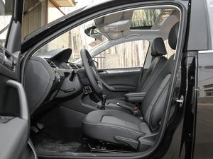 2019款1.5L 手动舒适版 前排空间