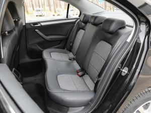 2019款1.5L 手动舒适版 后排座椅