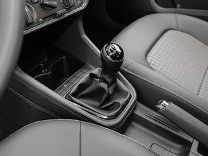 2019款1.5L 手动舒适版 变速挡杆