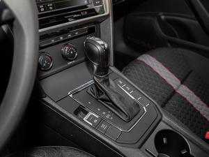 2019款230TSI DSG风尚版 变速挡杆