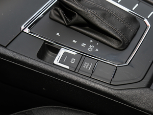 2019款230TSI DSG风尚版 驻车制动器