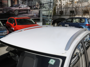 2019款1.5L 自动风尚版 车顶