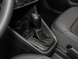 2019款1.5L 自动风尚版 变速挡杆