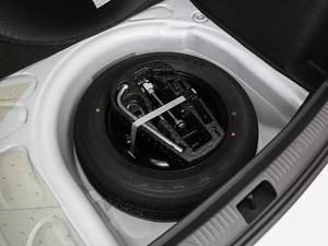 2019款1.5L 自动风尚版 备胎