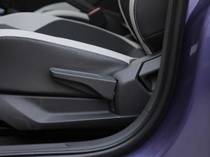 2019款1.5L 自动舒适版 座椅调节