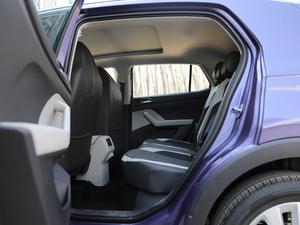 2019款1.5L 自动舒适版 后排空间