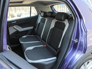 2019款1.5L 自动舒适版 后排座椅
