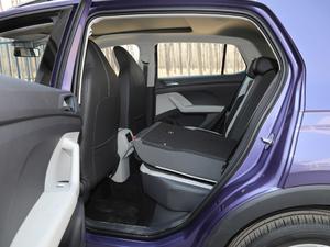 2019款1.5L 自动舒适版 后排座椅放倒