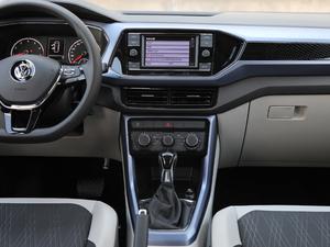 2019款1.5L 自动舒适版 中控台