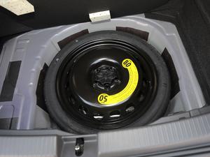 2019款1.5L 自动舒适版 备胎