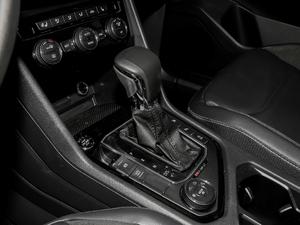 2019款380TSI 四驱智动豪华版 变速挡杆