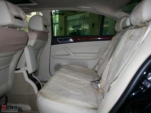 2009款2.8L 自动至尊版 后排空间