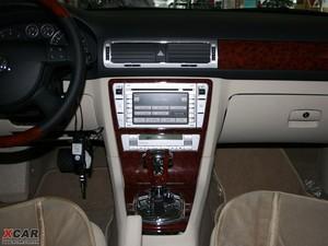 2009款2.8L 自动至尊版 中控台