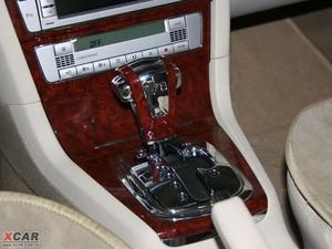 2009款2.8L 自动至尊版 变速挡杆