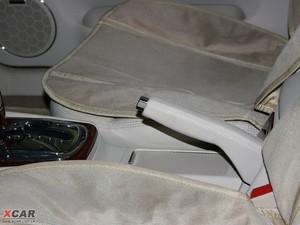 2009款2.8L 自动至尊版 驻车制动器