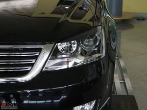 2009款2.8L 自动至尊版 头灯