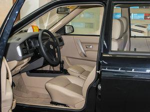 2010款1.6L 手动舒适版 前排空间