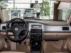 2010款1.6L 手动舒适版 中控台