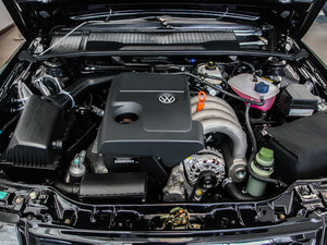 2010款1.6L 手动舒适版 发动机
