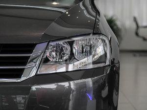 2013款经典款 1.6L 自动风尚版 头灯