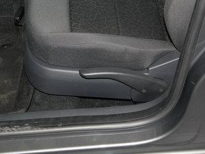 2013款经典款 1.6L 自动风尚版 座椅调节