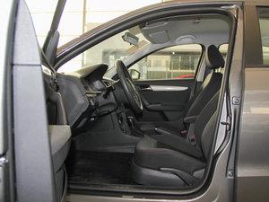 2013款经典款 1.6L 自动风尚版 前排空间