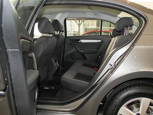 2013款经典款 1.6L 自动风尚版 后排空间