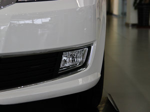 2013款经典款 1.6L 手动舒适版 雾灯
