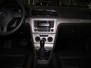 2013款经典款 1.6L 自动舒适版 中控台