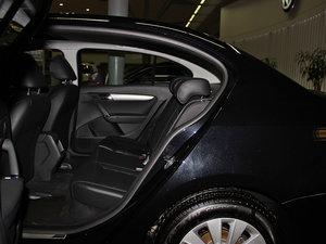 2013款经典款 1.6L 自动舒适版 后排空间