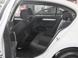 2013款经典款 1.6L 手动风尚版 后排空间