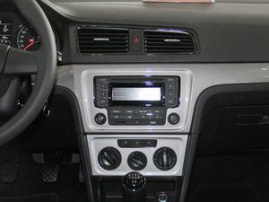 2013款经典款 1.6L 手动风尚版 中控台