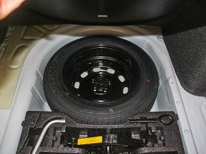 2013款经典款 1.6L 手动风尚版 备胎