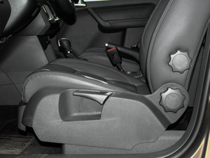 2015款1.4T 自动旗舰版 5座 座椅调节