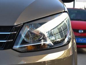 2015款1.4T 手动舒适版 5座 头灯