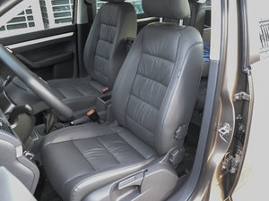 2015款1.4T 手动舒适版 5座 前排座椅