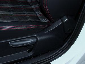 2015款1.4TSI DSG 座椅调节