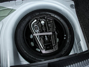 2015款1.4TSI DSG 备胎