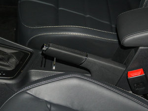 2015款运动版 驻车制动器